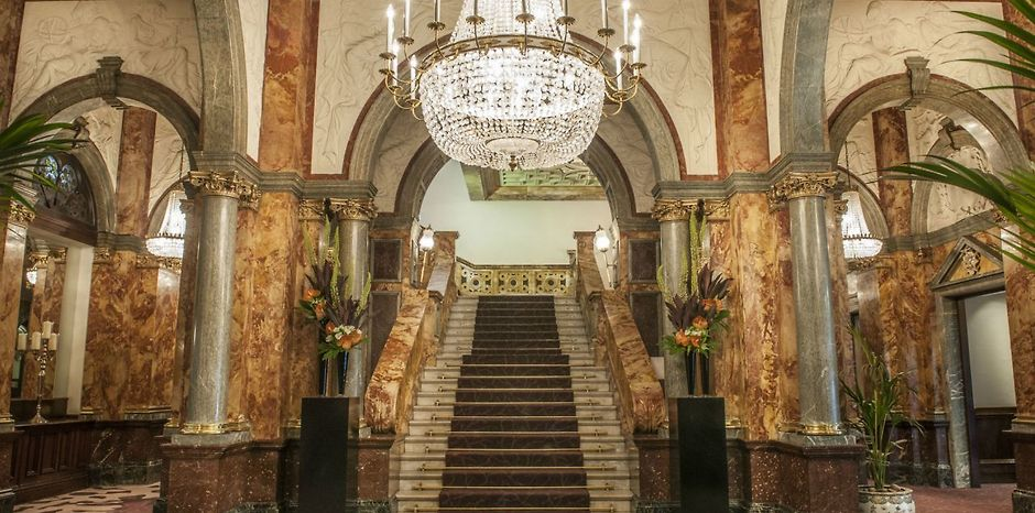Charles Fitzroy Doll et l'hôtel Russell à Londres 469163784